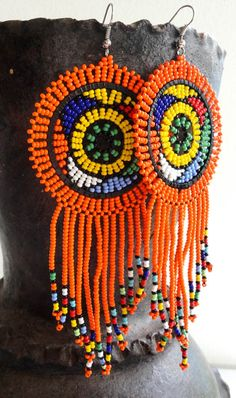 Newest Photographs zulu Beadwork Suggestions Carefully thread pressure can create a massive affect how your diamond jewelry looks. No-one desires to expen African Earrings, African Beads, African Jewelry, Diy Jewelry, Beaded Jewelry, Diamond Jewelry, Beaded Earrings, Crochet Earrings, Earrings Handmade