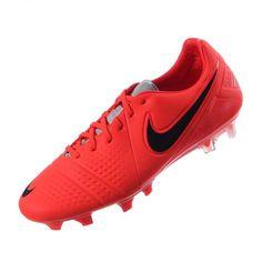 Los tachones de fútbol para superficies firmes para hombre CTR360 Maestri  III de Nike cuentan con ecbe8f0fec8a3