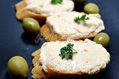 Salata de icre Romanian Food, Romanian Recipes, Hummus, Feta, Camembert Cheese, Mashed Potatoes, Seafood, Dairy, Embroidery