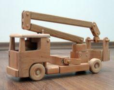 Tilly le camion-nacelle utilitaire - camion-jouet en bois