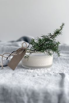 SITRUUNAINEN HUNAJAKUORINTA ITSELLE TAI LAHJAKSI | MUSTA OVI – Sisustusblogi, skandinaavinen sisustus ja diy vinkit pienelläkin budjetilla Home Spa, Naturally Beautiful, Merry And Bright, Christmas Inspiration, Diy And Crafts, Food, Decor, Ideas, Decoration