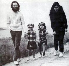 Image detail for -John Lennon jung und relaxt, fast wie der Schwiegersohn von nebenan.