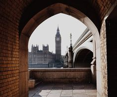 Find images and videos about city, london and Big Ben on We Heart It - the app to get lost in what you love. Oh The Places You'll Go, Places To Travel, Places To Visit, Narnia, Beautiful World, Beautiful Places, Wonderful Places, Beautiful Pictures, A Darker Shade Of Magic