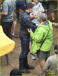 captain america crossbones fight captain america civil war 18 Captain America and Crossbones get in a huge fight for a scene on the set of Captain America: Civil War on Monday (May 18) in Atlanta, Ga. Chris Evans and Frank…
