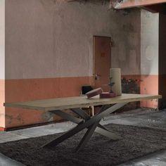 Venice's Briccole Cooper table