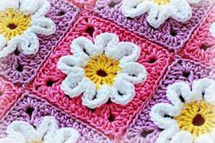 http://img.loveitsomuch.com/uploads/201210/20/cr/crochet%20pattern%20crochet%203d%20flower%20baby%20blanket-f68923.jpg