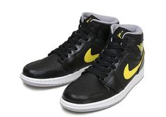 #AirJordan 1 Mid Black/Yellow #sneakers