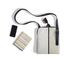 A modern handbag line by KPF architect Terri Lee and graphic designer Sanshin Liu. More at bit.ly/1q3MXPh