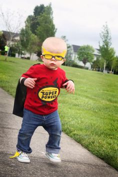 EASY-TO-MAKE DIY SUPERHERO COSTUME FOR KIDS #Diy #Superhero #Costume #ForTeens #Kids #WomanCostume #ManCostume Superhero Costumes Kids, Super Hero Shirts, Up Halloween, Super Hero Costumes, Diy Costumes, Costume Ideas, Super Powers, Kids Wear, Diy Tutorial
