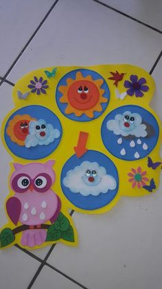 DIY Sensory play game board for baby and toddlers Preschool Classroom, Preschool Crafts, Classroom Decor, Kindergarten, Art For Kids, Crafts For Kids, Christmas Classroom Door, Weather Crafts, Classroom Calendar