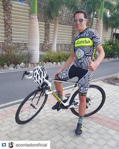 Nouvelle tenue pour @acontadoroficial et son #Tarmac S-Works !  Le détail qui fait la différence : le serrage #Boa jaune fluo assorti au vélo ! Disponible chez votre revendeur agréé Specialized.