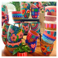 Painted Plant Pots, Painted Flower Pots, Pottery Painting Designs, Paint Designs, Mexican Paintings, Pottery Pots, Flower Pot Design, Terracotta Flower Pots, Decorated Flower Pots