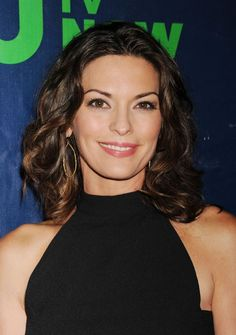 36 Reasons to Cut a Few Inches Off Your Long Hair: Actress Alana De La Garza