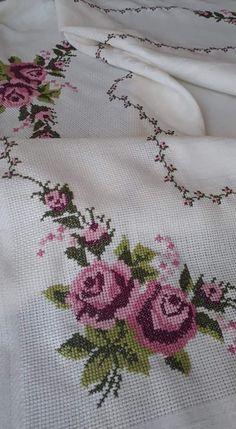 Cross Stitch Designs, Cross Stitch Patterns, Cross Stitch Embroidery, Hand Embroidery, Cross Stitch Flowers, Blackwork, Artisan, Cross Stitch Borders, Cross Stitch Rose