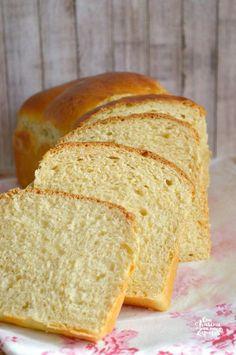Brioche de Yogur | CON HARINA EN MIS ZAPATOS Pan Bread, Bread Baking, Easy Panettone Recipe, Mexican Bread, Pernil, Chocolates, English Food, Artisan Bread, Sweet Bread