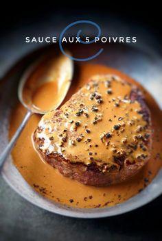 Steak Au Poivre, Au Poivre Sauce, Sauce Filet Mignon, Cooking Chef, Cooking Recipes, Filet Migon, Poutine Recipe, Marinade Sauce, Sauce For Steak
