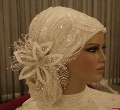 Gold Bridal Hair Comb Wedding Hair Accessories by adriajewelry Wedding Hijab Styles, Modest Wedding Gowns, Muslim Wedding Dresses, Muslim Brides, Bridal Hijab, Hijab Bride, Bridal Hair, Wedding Hair, Headpiece Wedding