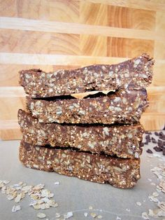 Loaded with chocolate-y peanut butter goodness, these healthy homemade granola bars are also a source of iron, fiber and a bit of protein.