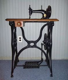 Singer Model 13 Treadle Sewing Machine  | 1873 Singer Treadle Base Sewing Machine w Accessories Early Model ...