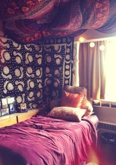 Dorm room ideas that will make your dorm room the hippest in your dorm. Our editors came up with the ideas for your dorm room and we update it regularly. Ceiling Tapestry, Tapestry Bedroom, Wall Tapestries, Boho Dorm Room, Cute Dorm Rooms, Chic Dorm, Romantic Bedroom Decor, Bedroom Ideas, Bedroom Inspo