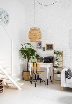 Una scrivania trasforma uno spazio in un ufficio - IKEA