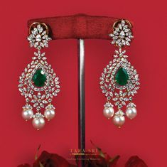 Diamond Earrings with Emerald and Pearls ~ South India Jewels Diamantohrringe mit Smaragd und Perlen ~ Südindien Juwelen Gold Ring Designs, Gold Earrings Designs, Jhumka Designs, Pearl Necklace Designs, Diamond Earrings Indian, Diamond Jewelry, Gold Jhumka Earrings, Indian Jewelry Earrings, Diamond Bangle