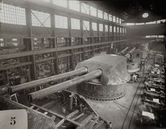Construction of the 14 inch guns for USS New York and USS Texas Naval History, Military History, Battle Boats, Navy Coast Guard, Uss Texas, Gun Turret, Navy Military, Military Spouse, Navy Girlfriend