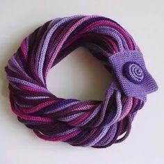 Rainbow Knit Scarf - Chunky In Spool Knitting, Knitting Patterns, Crochet Patterns, Crochet Scarves, Knit Crochet, Crochet Hats, Knitting Scarves, Textile Jewelry, Fabric Jewelry