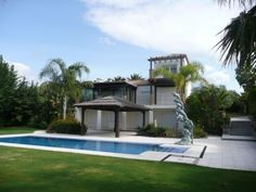 ESTEPONA, Costa Del Sol: Incredible 4 Bedroom Villa Originally Marketed At €1,300,000 New - Never Been Occupied, Available Today At Just €630,000 - Urgent Sale Required UPDATE: OUR PARTNER HAS BEEN SPEAKING TO THE OWNER TODAY. AN OFFER OF €580,000 WOULD BE ACCEPTED
