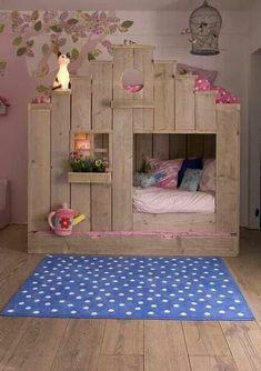Kinderbett aus Holz