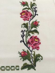This post was discovered by Sa Cross Stitch Borders, Cross Stitch Rose, Cross Stitch Animals, Cross Stitch Flowers, Cross Stitch Designs, Cross Stitch Patterns, Hand Embroidery Tutorial, Embroidery Applique, Cross Stitch Embroidery