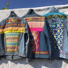Embellished Denim JacketsDo you know the latest trend of embellished denim jackets? Jean jackets in boho Ibiza style, with bright colored fabrics with prints Boho Fashion Winter, Ibiza Fashion, Diy Fashion No Sew, Denim Fashion, Gilet Jeans, Painted Denim Jacket, Denim Ideas, Embellished Jeans, Bollywood Fashion