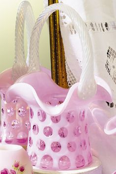 1000 Images About Fenton Baskets Vases On Pinterest Crests Milk Glass And Carnival Glass