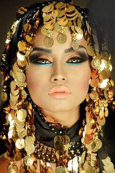 Black and Gold I Beauty Glam Makeup, Hair Makeup, Makeup Stuff, Makeup Art, 3d Foto, Or Noir, Golden Goddess, Exotic Beauties, Shades Of Gold