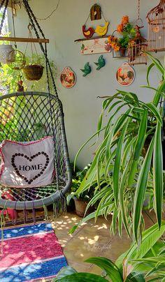 Tour: Jayashree and Rajan's Sprawling Garden Apartment in Kerala ~ The Keybunch … - balconygarden Small Balcony Design, Small Balcony Garden, Small Balcony Decor, Balcony Swing, Balcony Flowers, Balcony Decoration, Balcony Ideas, Indian Room Decor, Ethnic Home Decor