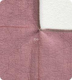 안쪽으로 꺾인 부분 오버록 하기 : 네이버 블로그 Couture, Diy And Crafts, Arrow Necklace, Sewing, Jeans, Tutorials, Hacks, Dressmaking, Fabric Sewing