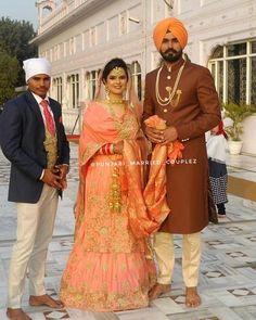Sikh Wedding Dress, Punjabi Wedding Suit, Punjabi Wedding Couple, Bridal Anarkali Suits, Punjabi Couple, Punjabi Bride, Indian Wedding Outfits, Bridal Outfits, Wedding Suits