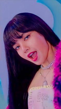Twitter Kpop Girl Groups, Korean Girl Groups, Kpop Girls, Kim Jennie, Soft Grunge Hair, Lisa Blackpink Wallpaper, Hair Streaks, Blackpink Video, Black Pink Kpop