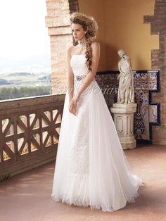 Vestido de nova de Inmaculada Garcia modelo Jeanne en Eva Novias.   Via:  www.evanovias.com  #vestidosdenovia #weddingdress #boda #inmaculadagarcia