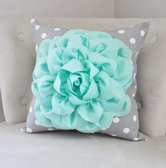 Bedroom Green, White Bedroom, Bedroom Colors, Bedroom Decor, Bedroom Ideas, Turquoise Headboard, Mint Green Decor, Green Throw Pillows, Bedroom Pictures