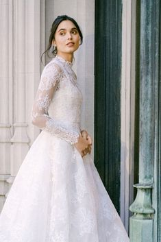 Monique Lhuillier Fall 2021 Collection will be showcased at L'elite Bridal from Jan 15th until Jan 17th. To book your appointment please call the store at 617.424.1010 ext 4. #moniquelhuillierbridal #moniquelhuillier #bridalcollection #bridal #bridetobe# weddinggown #weddingdress #moniquelhuilliertrunkshow #trunkshow #bridalboutique #boston #newbury #inspiration #dreamdress #bridetobe #bride Crepe Wedding Dress, Wedding Gowns, Lace Wedding, Wedding Attire, Elegant Wedding, Floral Wedding, Monique Lhuillier Bridal, Lace Ball Gowns, Floral Gown