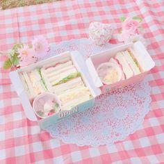Aesthetic Food, Pink Aesthetic, Aesthetic Clothes, Apps Kawaii, Instagram Kawaii, Tout Rose, Kawaii Dessert, Picnic Date, Pink Foods