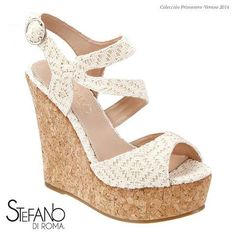 Un exquisita sandalia con plataforma ideal para este verano 2014