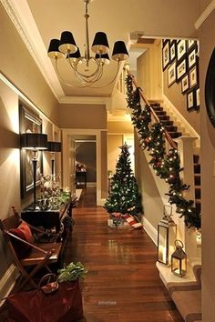 SEASONAL – CHRISTMAS – the magic of the holiday makes another appearance in an adorable presentation of holiday decor and a stunning christmas hallway. Christmas Hallway, Noel Christmas, All Things Christmas, Winter Christmas, Country Christmas, Apartment Christmas, Christmas Design, Decoration Christmas, Xmas Decorations