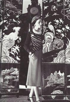* Coco Chanel devant ses paravents de Coromandel, 1937 photo Boris Lipnitzki