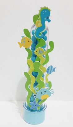 Tubet Personalizado    Decorado com papel color plus 180 gramas,    Tubet de 13 cm incluso Little Mermaid Birthday, Little Mermaid Parties, The Little Mermaid, Ocean Party, Shark Party, Hawaian Party, Paper Crafts, Diy And Crafts, Under The Sea Party