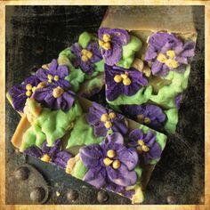 Alamo Candelaria-Velvet & Violets soap