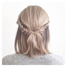 50 Hottest Prom Hairstyles for Short Hair ❤ liked on Polyvore featuring beauty products, haircare, hair styling tools, hair, hairstyles, beauty and blonde hair