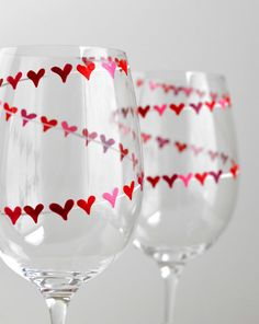 Red and Pink Heart Banner Valentine Wine Glasses - Personalized Valentines Hand Painted Glasses with your Names - Valentine Gift Diy Wine Glasses, Decorated Wine Glasses, Hand Painted Wine Glasses, Wine Glass Crafts, Wine Craft, Bottle Crafts, Wine Painting, Bottle Painting, Wine Glass Designs