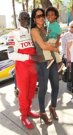TPCR participant Djimon Hounsou with wife Kimora Lee Simmons and son Kenzo Interracial Celebrity Couples, Interracial Family, Celebrity Siblings, Black Celebrities, Beautiful Celebrities, Beautiful People, Celebs, Black Love, Black Is Beautiful